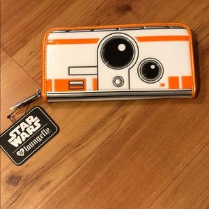 Brand New Loungefly Star Wars BB-8 Embossed Wallet